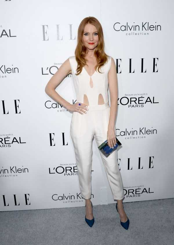 Darby Stanchfield sexy cleavage pictures