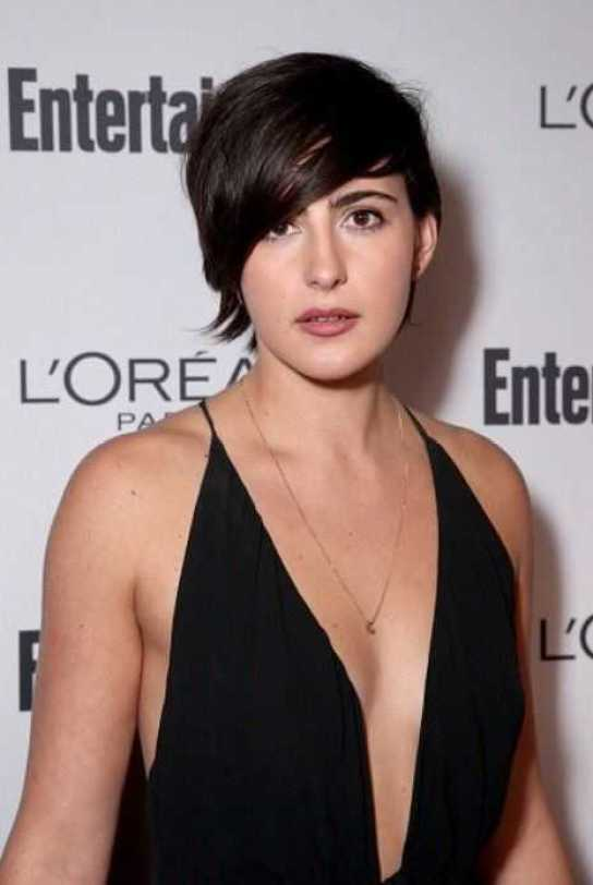 Jacqueline Toboni hot cleavage pics