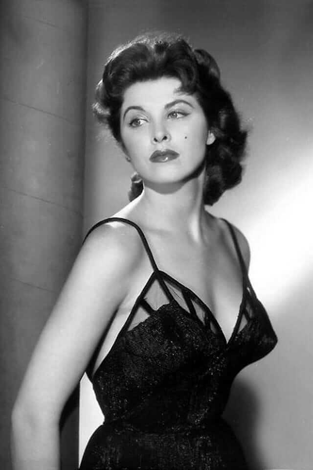 tina louise hot pics (2)