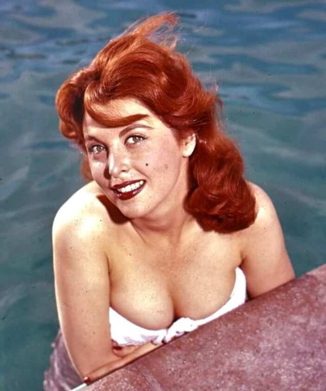 tina louise sexy cleavage pics