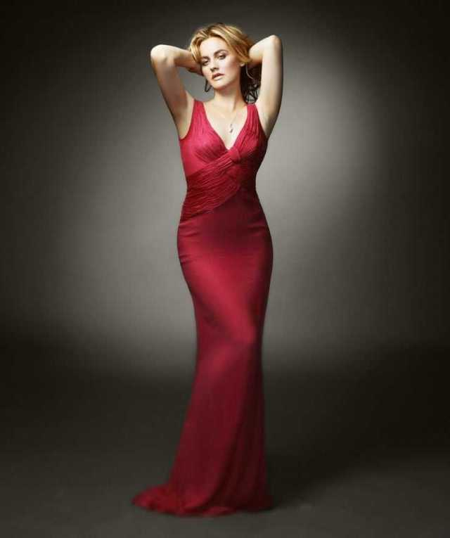 Alicia Silverstone hot red dress pictures