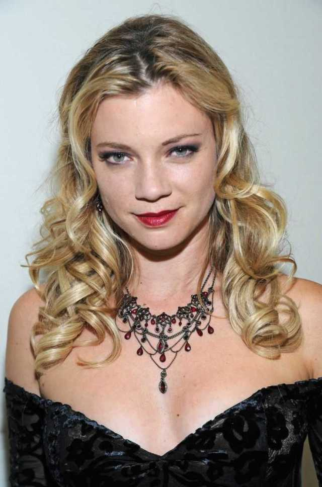 Amy Smart sext tits pictures