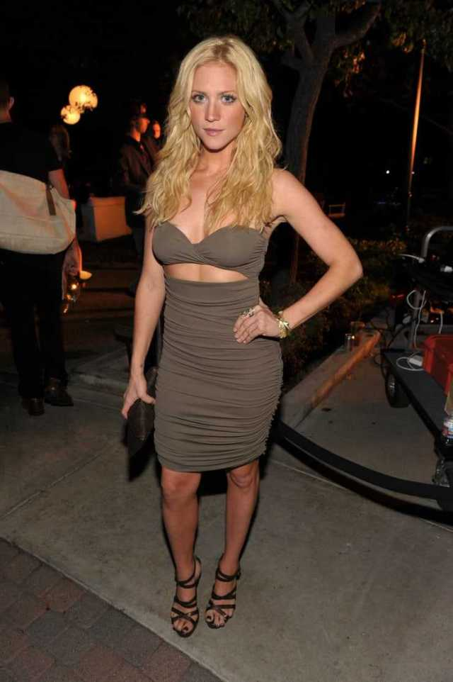 Brittany Snow sexy pictures