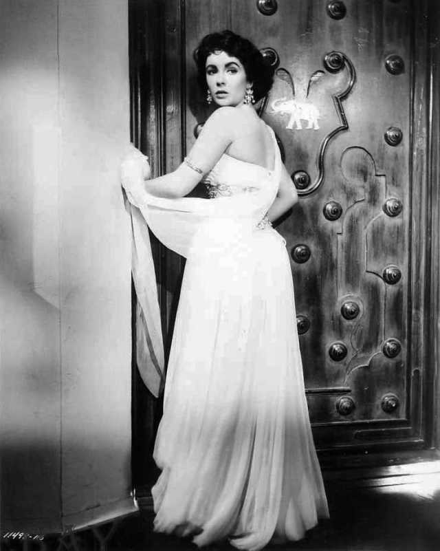 Elizabeth Taylor sexy ass pictures