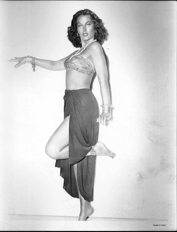 Hedy-Lamarr-hot-busty-pictures