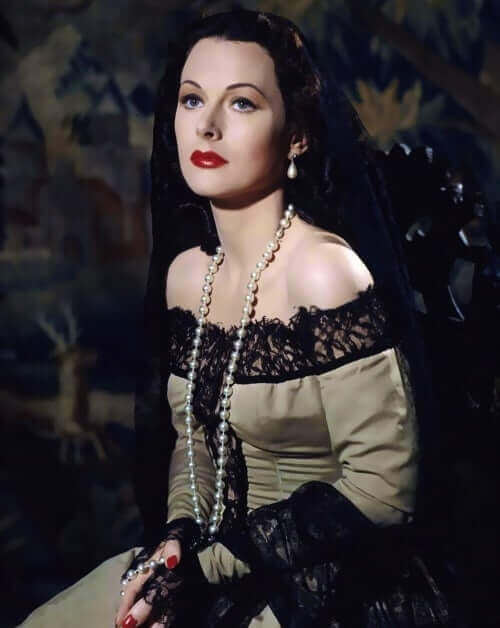 Hedy-Lamarr-hot-cleavage-pictures-2