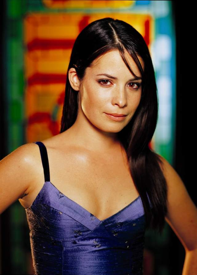 Holly Marie Combs hot pic