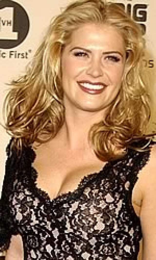 Kristy Swanson cleavage