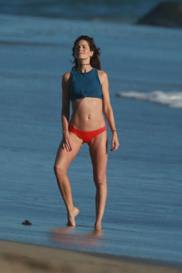 Michelle Monaghan beach pictures