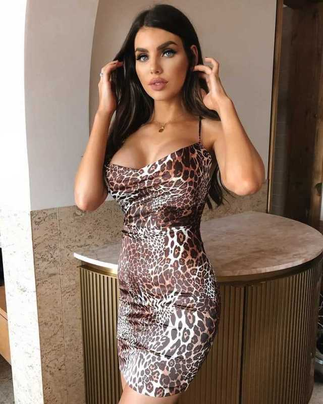Nicole Thorne hot look pictures