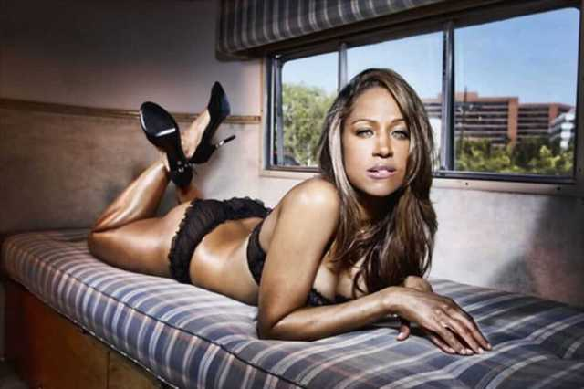 Stacey Dash sexy look pics