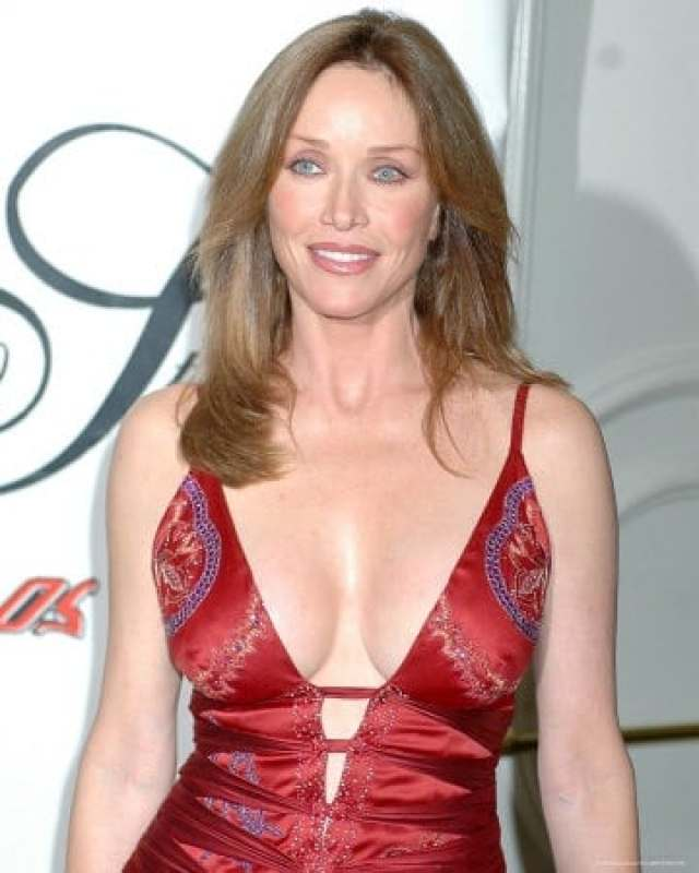 Tanya Roberts sexy pictures