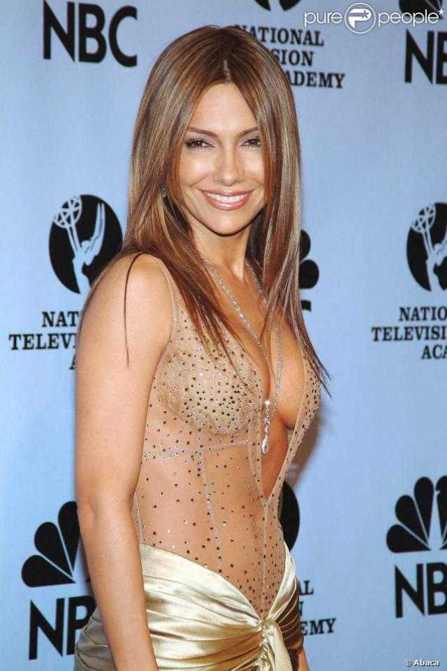 Vanessa Marcil sexy side boobs pictures