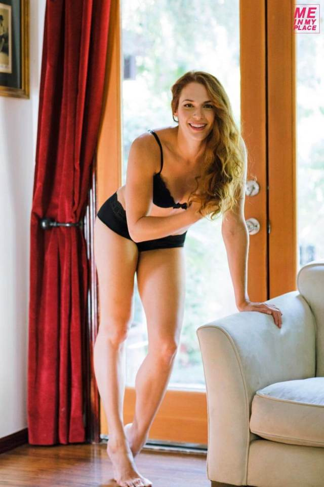 Amanda Righetti boobs