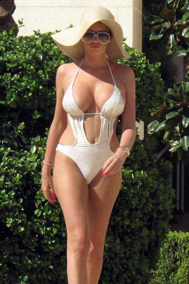Amy Childs awesome picture