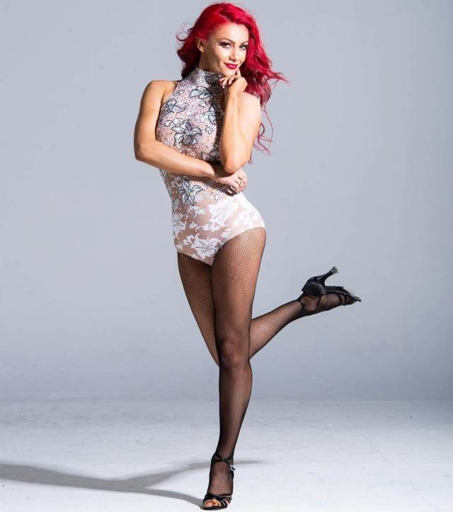Dianne Buswell beautiful pics