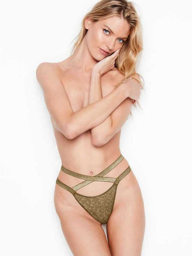 Martha Hunt sexy picture (2)