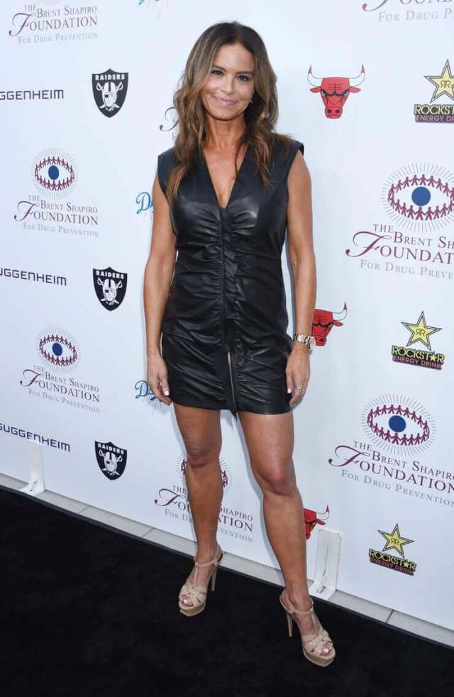 Betsy-Russell-awesome-dress