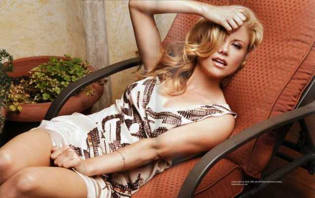 Claire Coffee hot thighs (2)