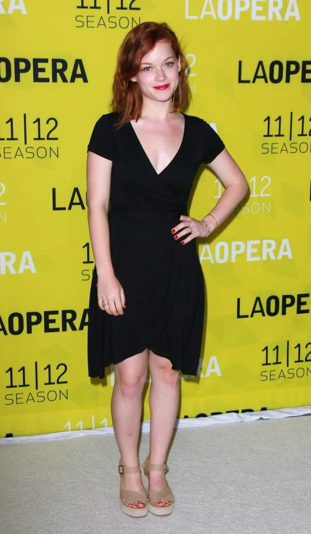 Jane Levy knockers