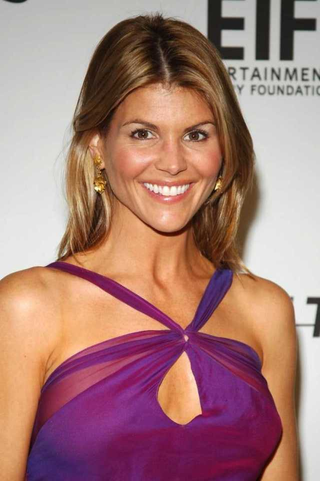 Lori Loughlin sexy photo (1)