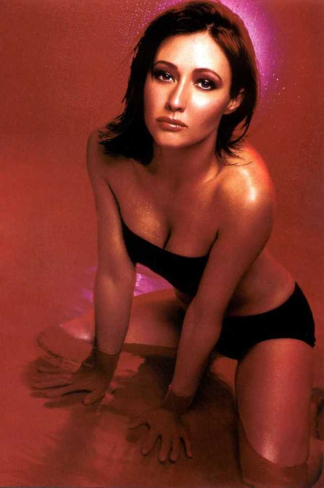 Shannen Doherty big boobs pics