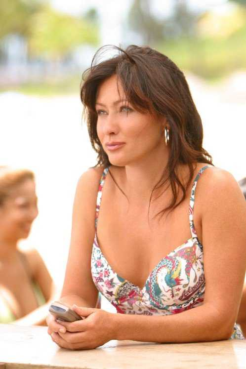 Shannen Doherty busty pics