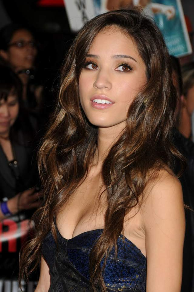 kelsey chow wow