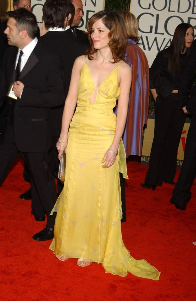 parker posey red carpet