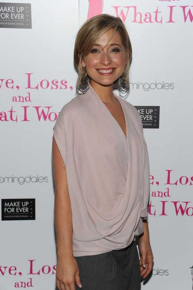 49 Hottest Allison Mack Big Butt Pictures Which Will Make You Become Hopelessly Smitten With Her ...