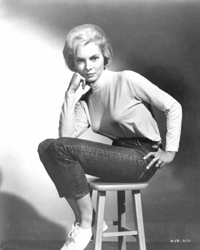 Janet Leigh sexy pics