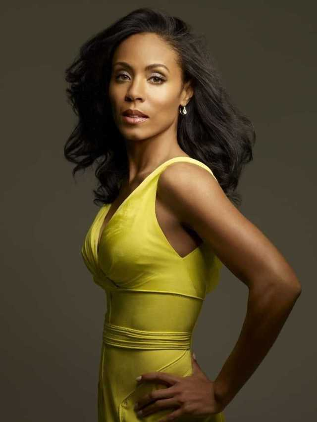 Jada Pinkett Smith side boobs pics