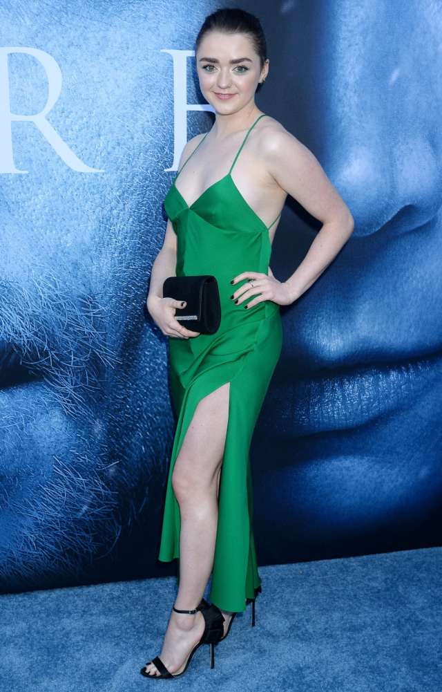 Maisie Williams hot pics
