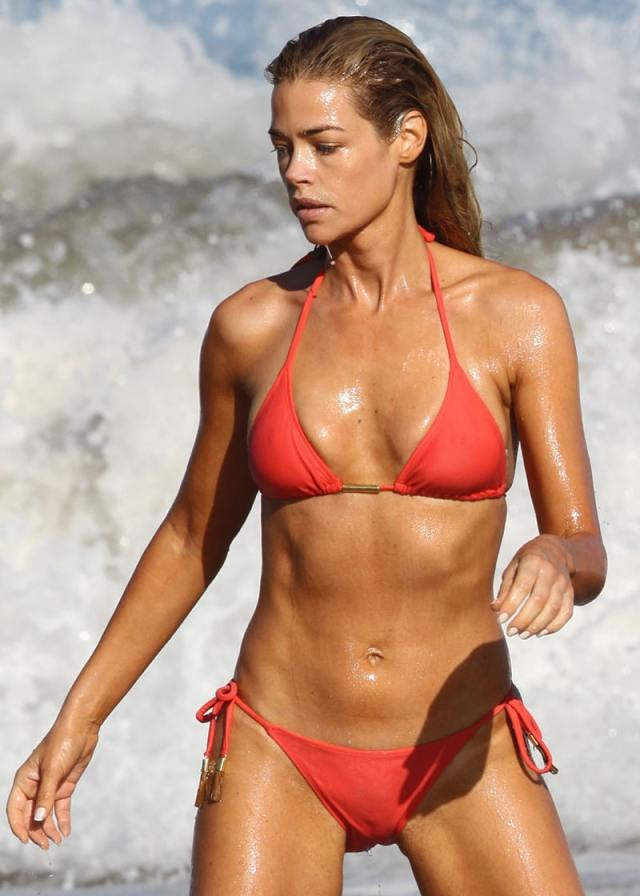 denise-richards-swimsuit-pictures