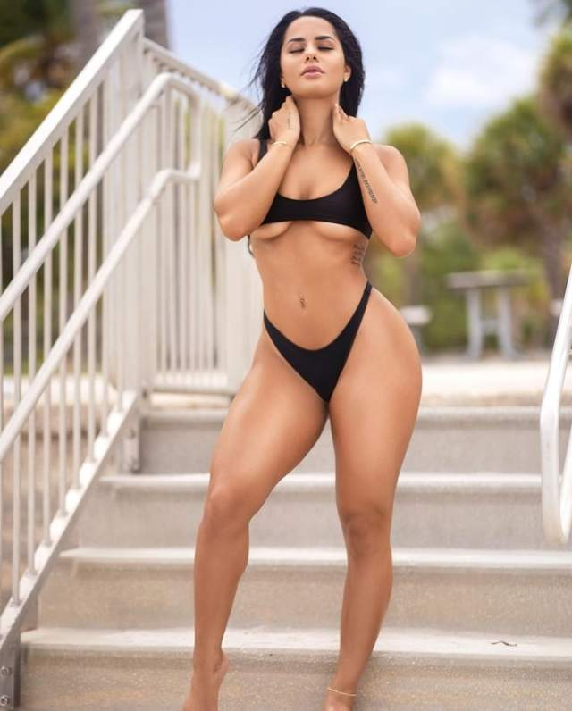 katya elise henry boobs photo