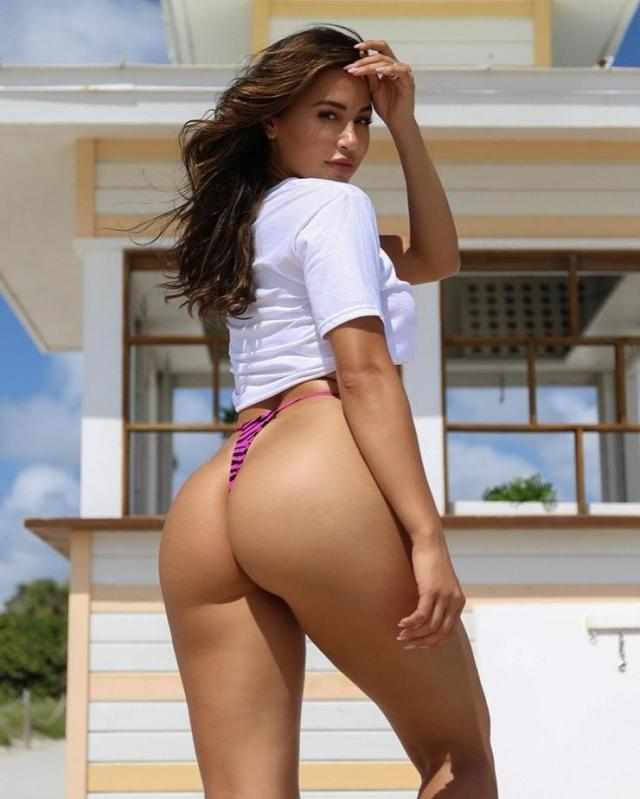 Ana Cheri sexy ass pictures