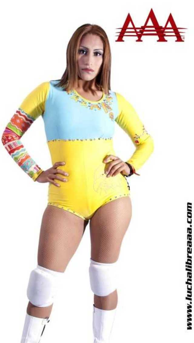 Faby Apache sexy look pics