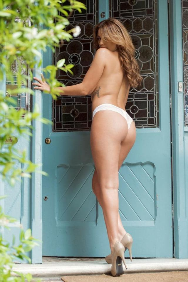 Holly Peers ass