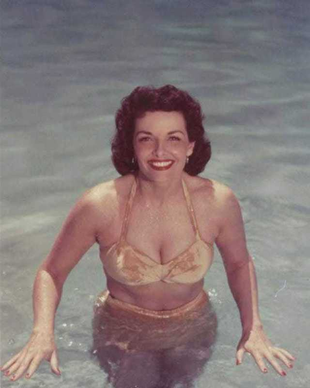 Jane Russell boobs pics