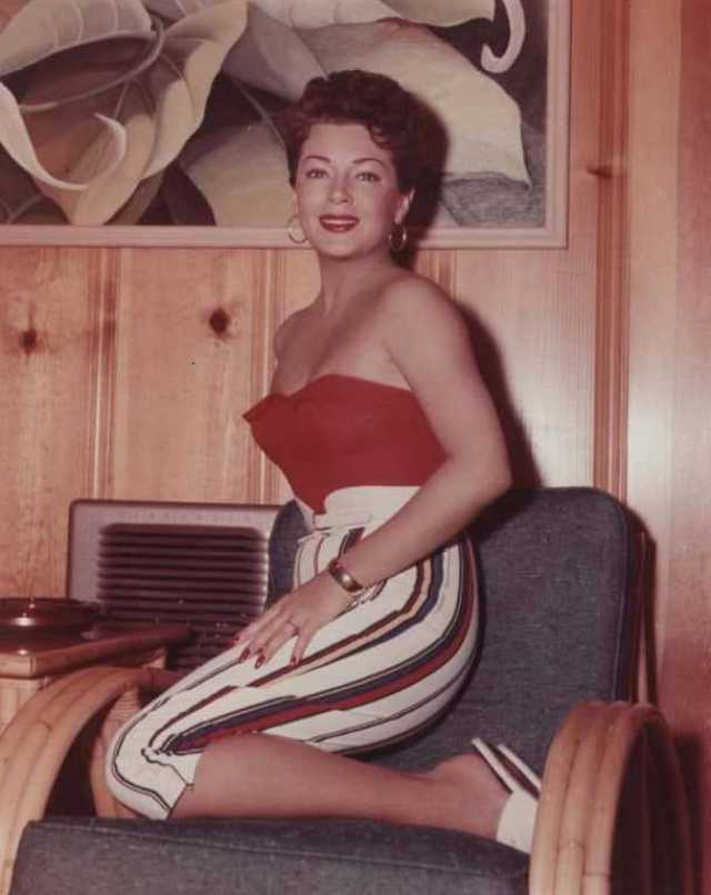 Lana Turner hot pictures