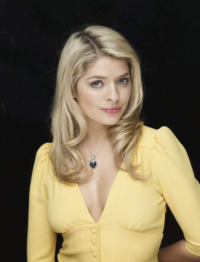 Nackt Holly Willoughby  Bunnies reveal