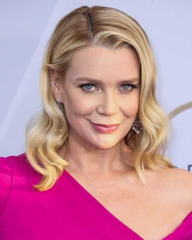 laurie holden gorgeous