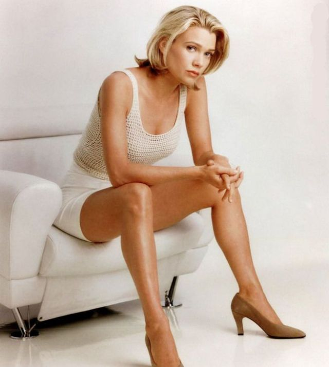 laurie holden hot pictures