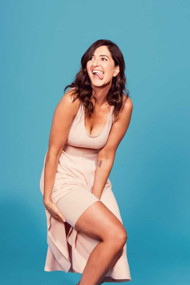 D'Arcy Carden hot pic