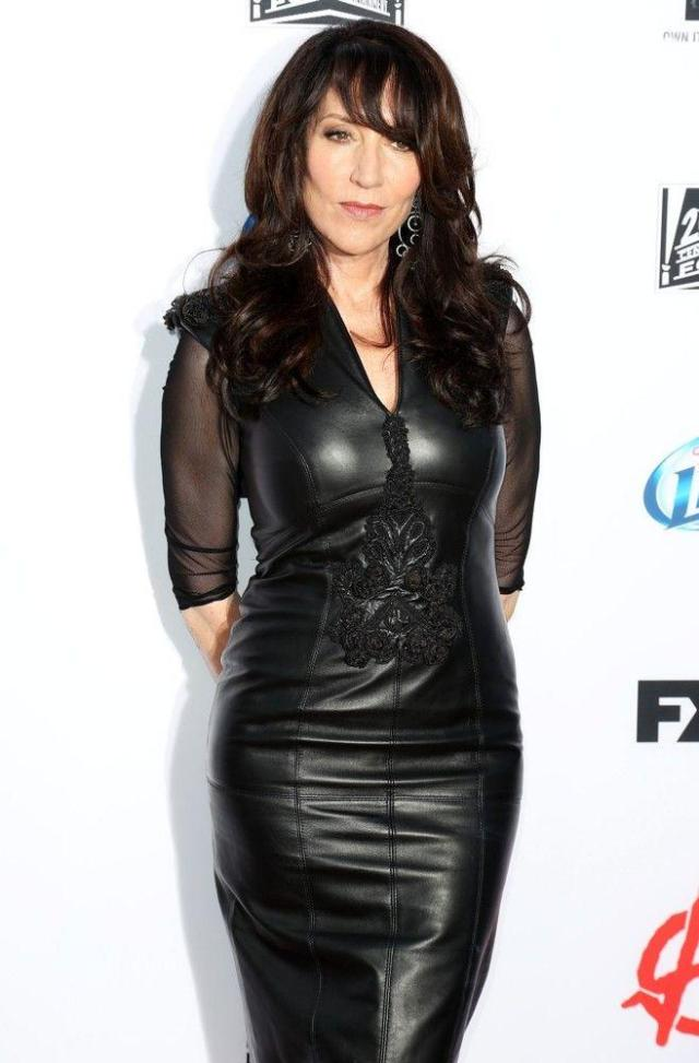 Katey Sagal hot black dress