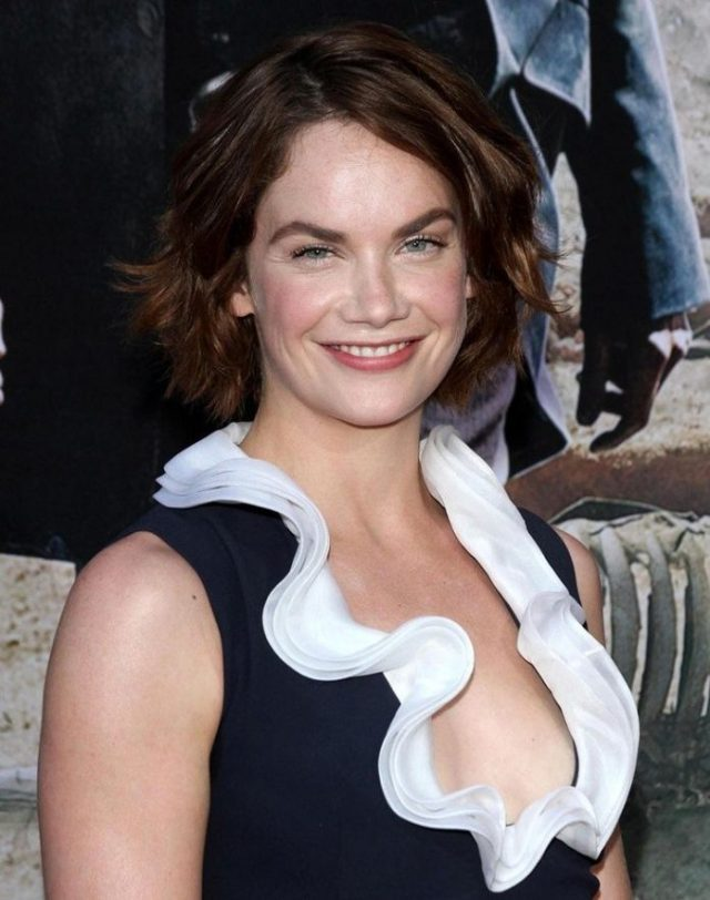 Ruth Wilson side boobs pictures