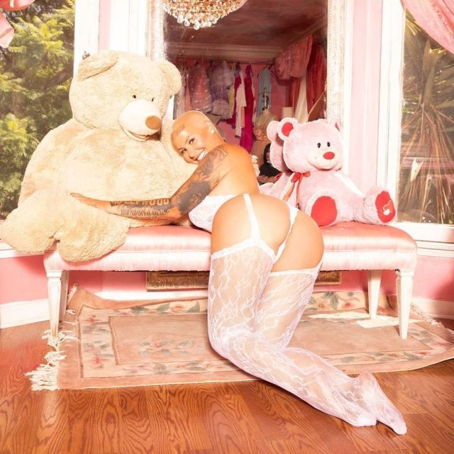 Amber Rose white lacy lingerie