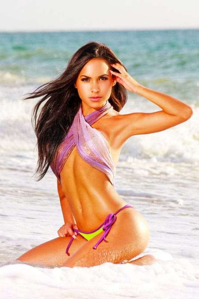 Lisa Morales hot pictures
