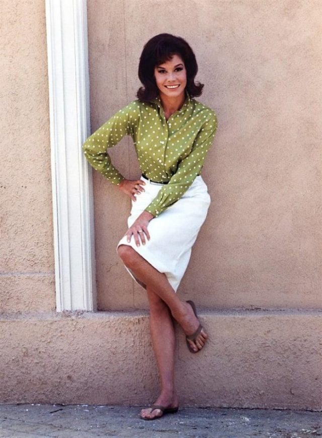 Mary Tyler Moore feet pictures
