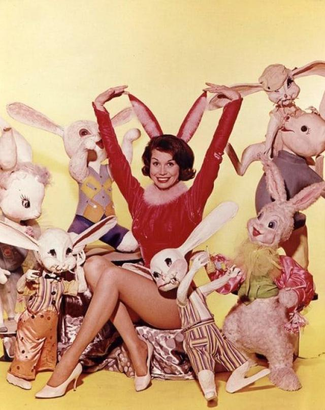 Mary Tyler Moore hot pictures